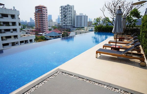 Siri-On-8-Bangkok-condo-for-sale-swimming-pool-2